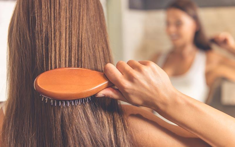 Minimize-Brushing-Hair